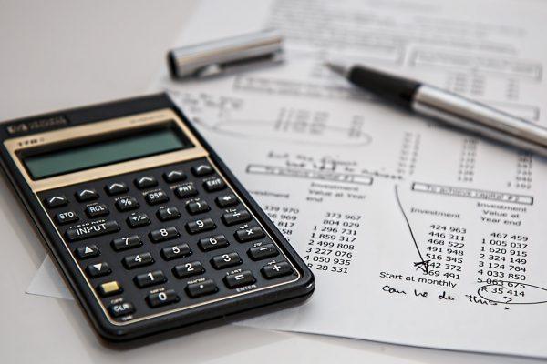 cómo reducir gastos empresa